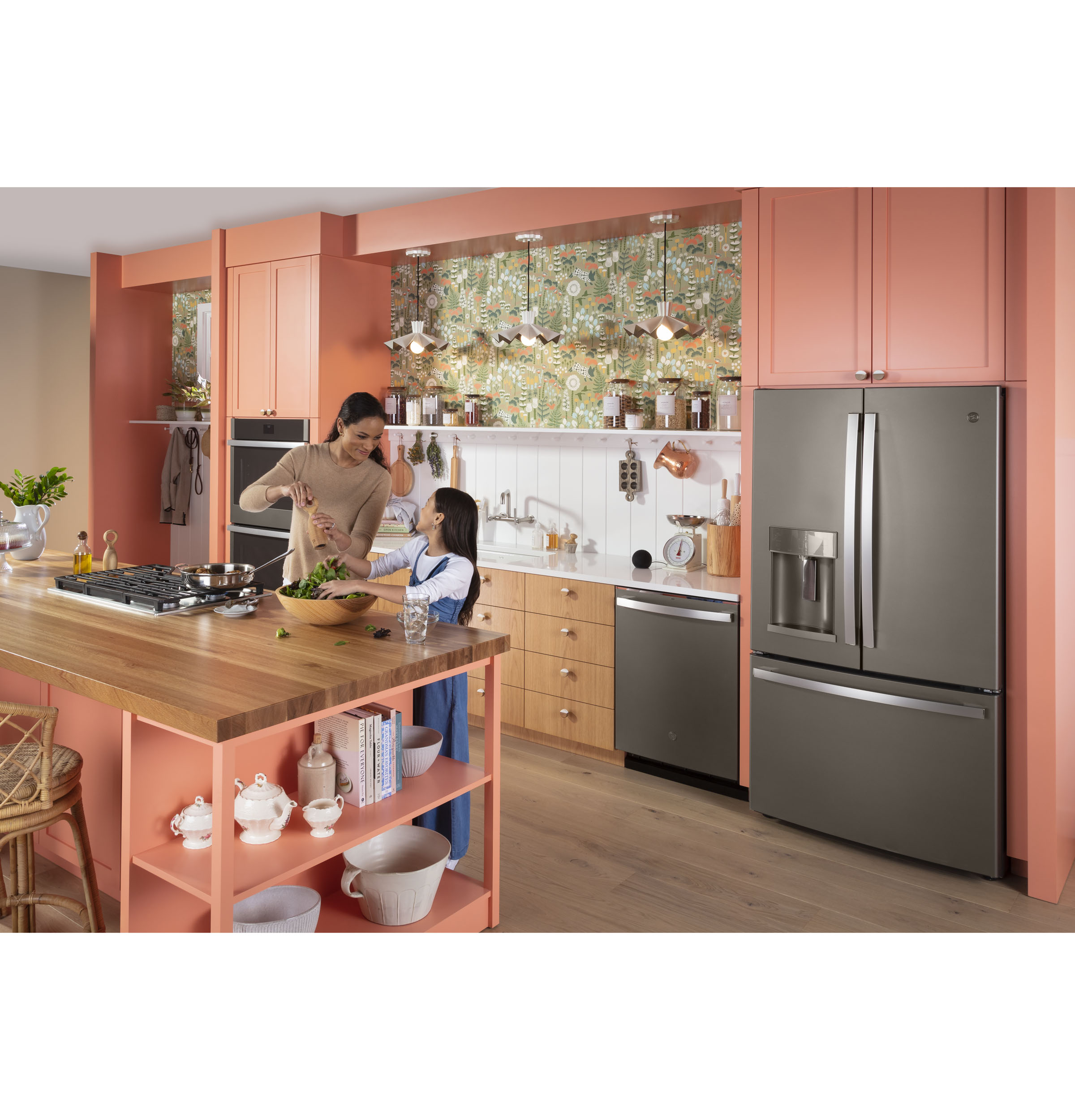 Model: GDT665SMNES | GE GE® Top Control with Stainless Steel Interior Dishwasher with Sanitize Cycle & Dry Boost with Fan Assist