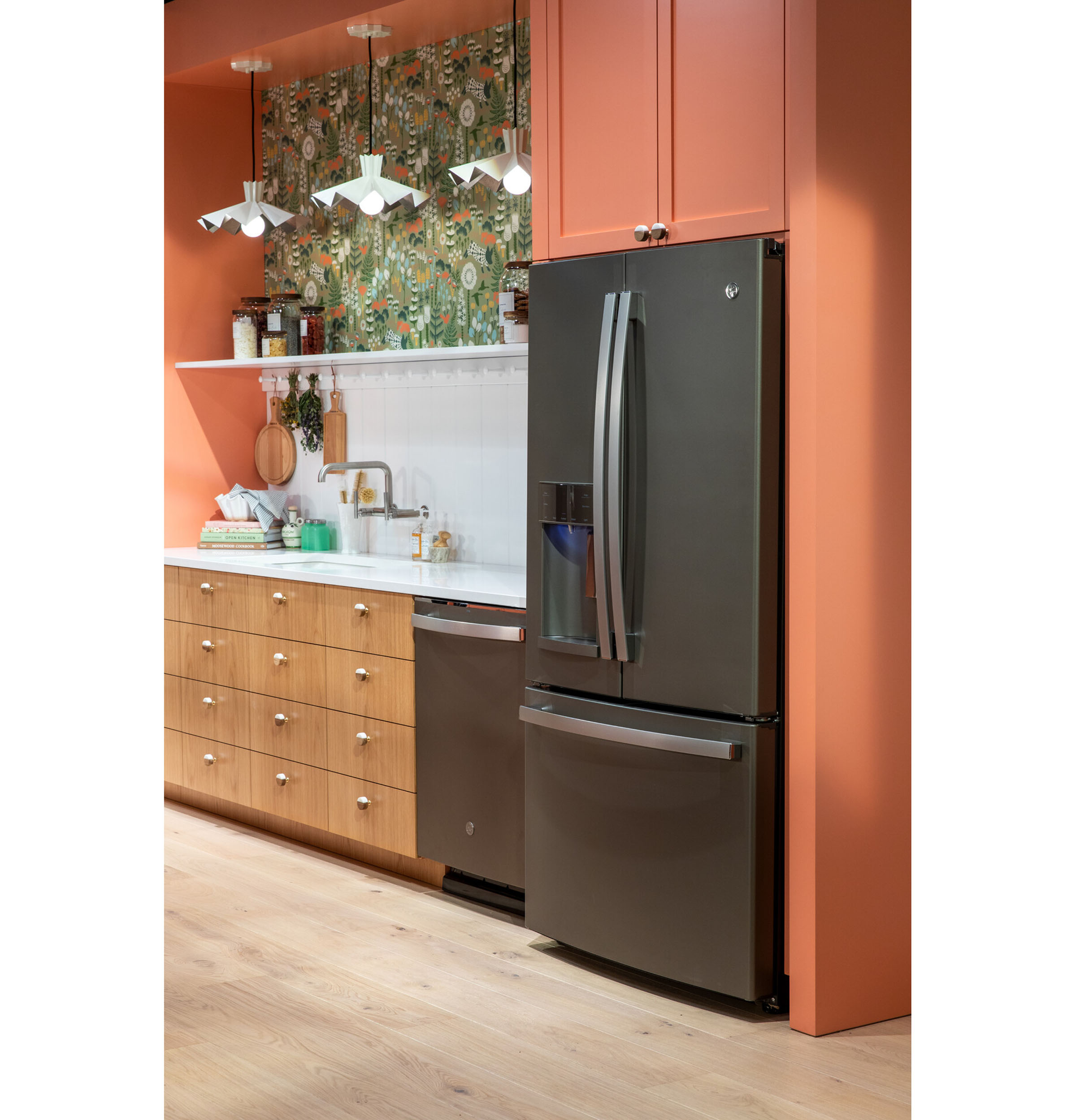 Model: GYE22GMNES | GE GE® ENERGY STAR® 22.1 Cu. Ft. Counter-Depth French-Door Refrigerator