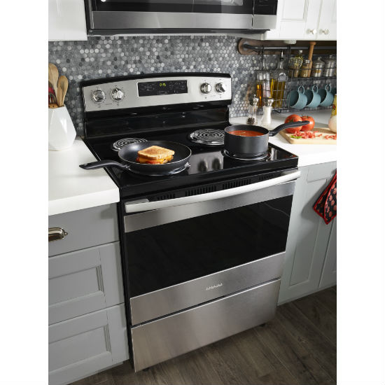 Model: ACR4303MFS | Amana 30-inch Electric Range with Bake Assist Temps