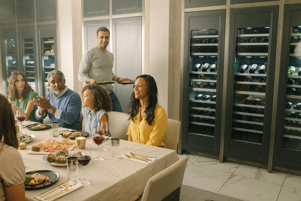 Thermador T24IW905SP, Wine cooler with glass door