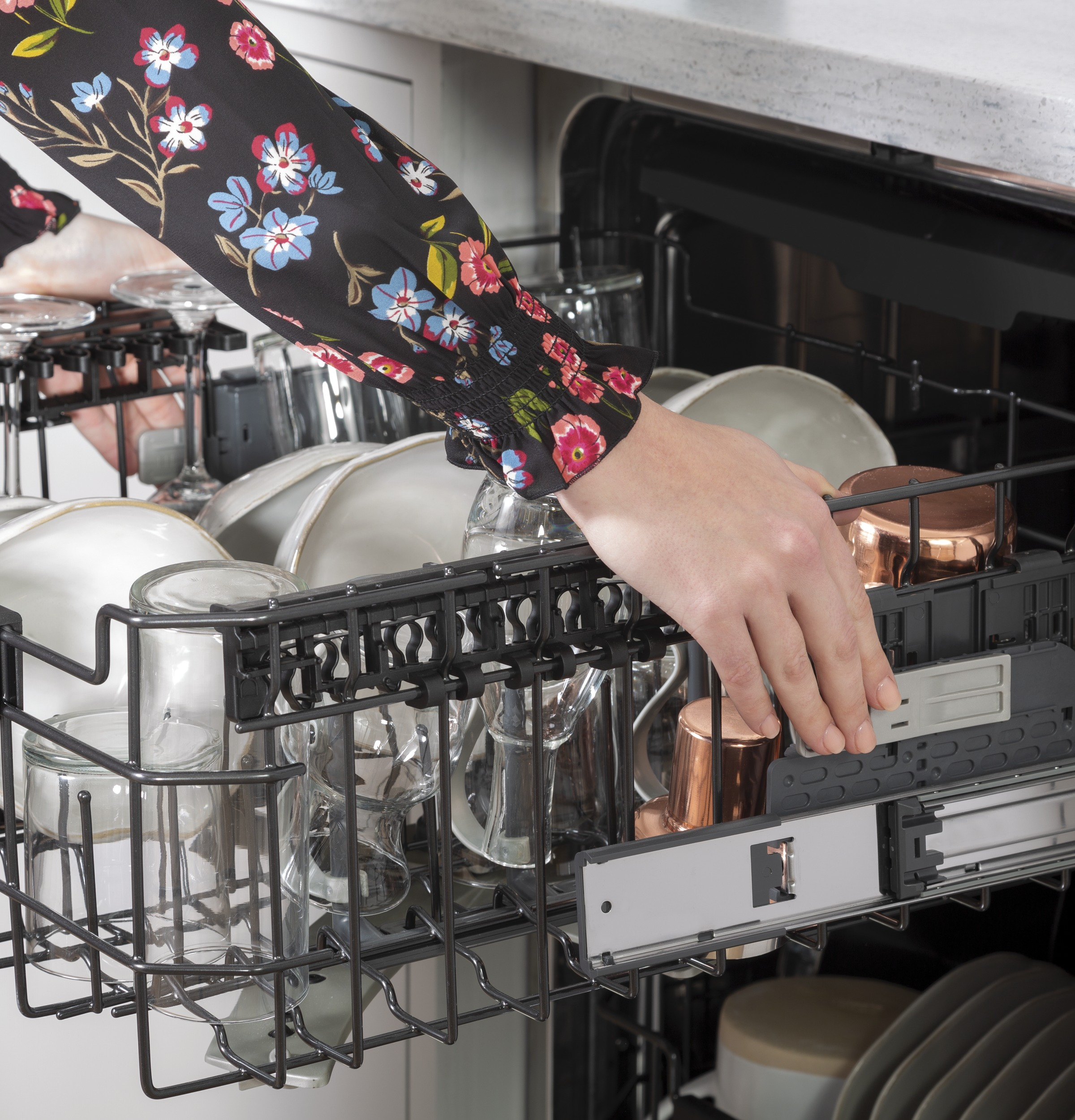 Model: CDT805P2NS1 | Cafe Café™ Stainless Steel Interior Dishwasher with Sanitize and Ultra Wash & Dry