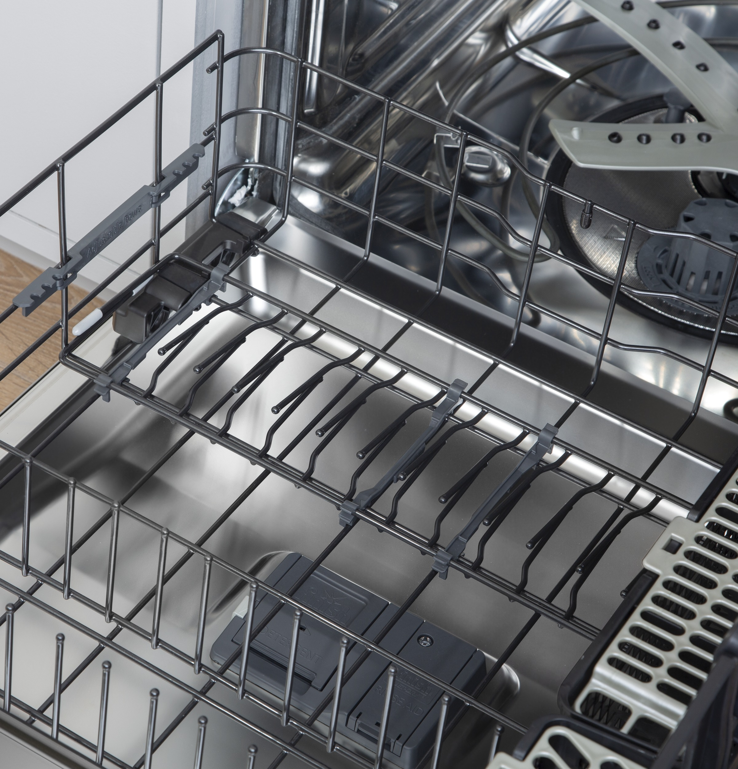 Model: CDT845P4NW2 | Cafe Café™ Stainless Steel Interior Dishwasher with Sanitize and Ultra Wash & Dry