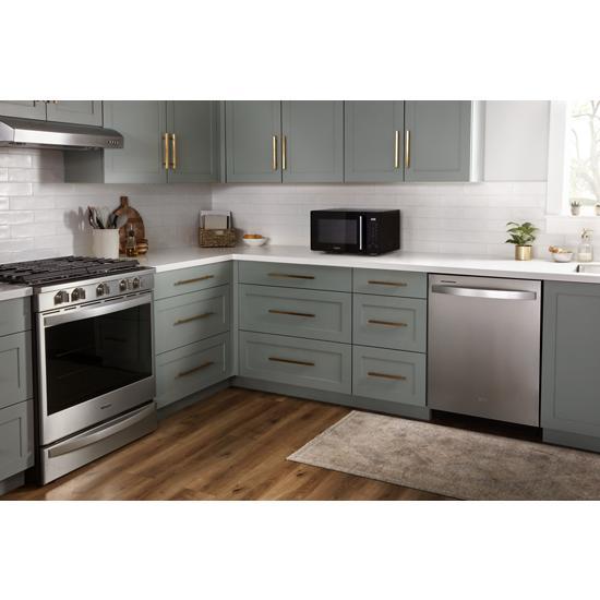 Model: WMC30309LB | Whirlpool 0.9 Cu. Ft. Capacity Countertop Microwave with 900 Watt Cooking Power