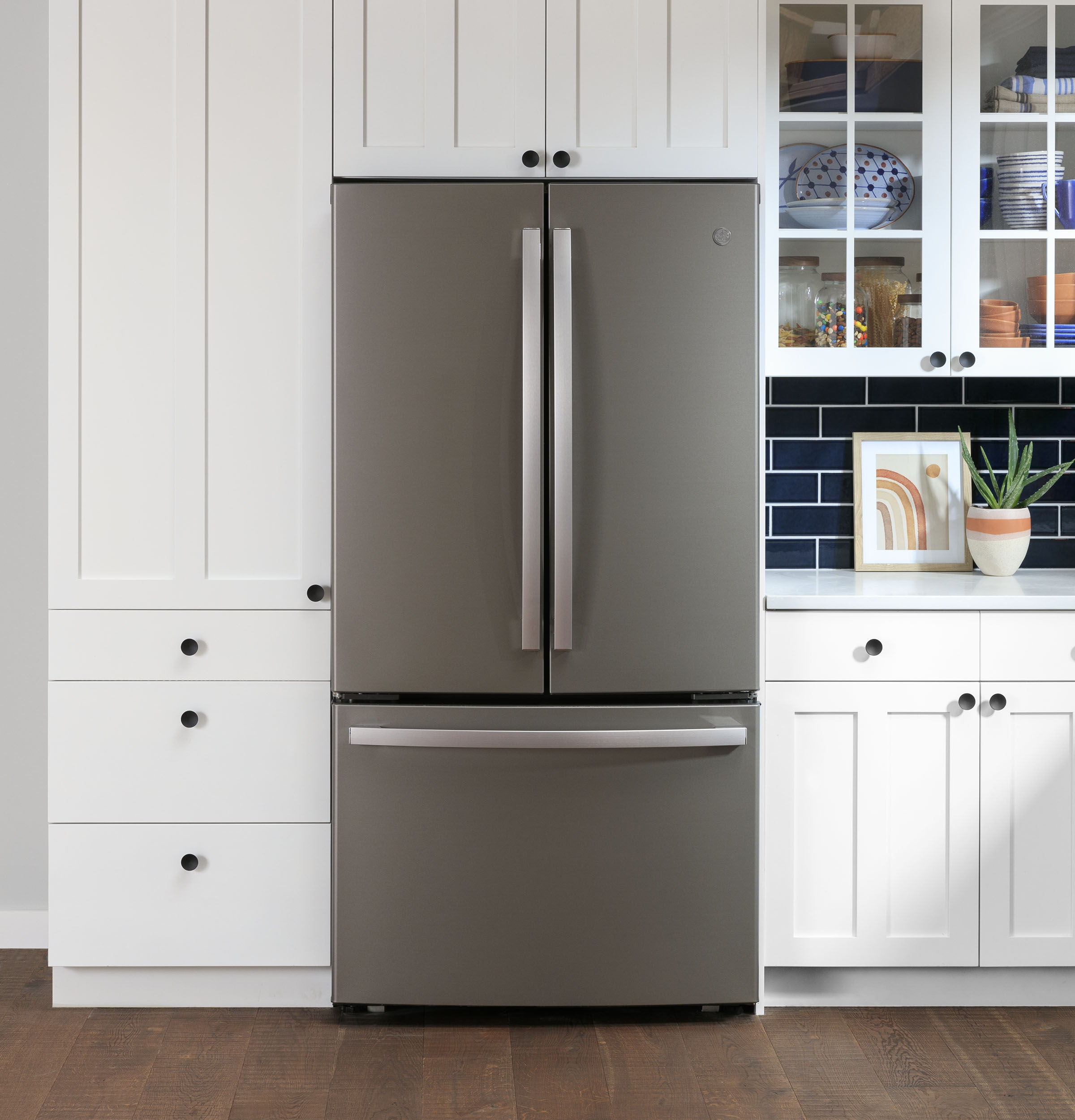 Model: GWE23GMNES | GE GE® ENERGY STAR® 23.1 Cu. Ft. Counter-Depth French-Door Refrigerator