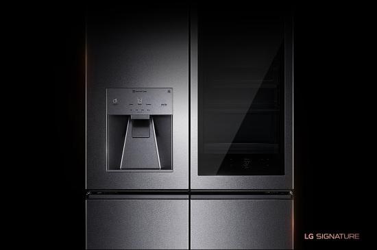 LG SIGNATURE 31 cu. ft. Smart wi-fi Enabled InstaView™ Door-in-Door® Refrigerator