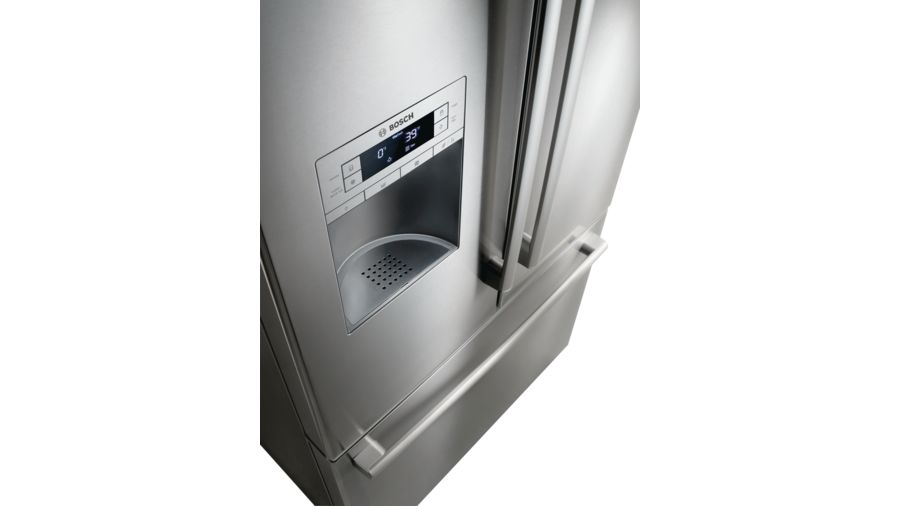 800 Series Freestanding fridge-freezers with freezer at bottom