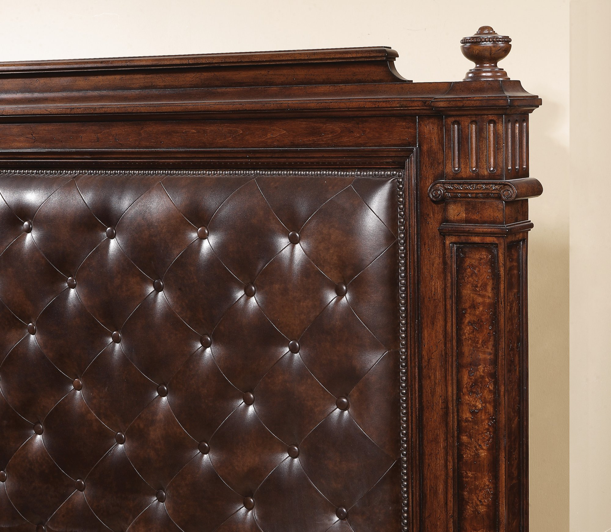 Model: W1952-90Q | Flexsteel Aberdeen  Queen Upholstered Bed