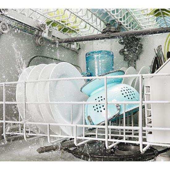 Dishwasher with SoilSense Cycle