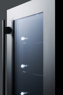Model: CL181WBVCSS | Summit Seamless stainless steel door trim brings true elegance under the counter