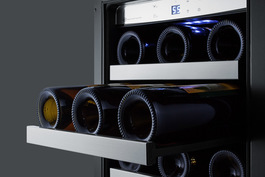 "Model: CL151WBV | Summit 15"" Wide Built-In Wine/Beverage Center"
