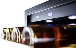 Model: SWC1875BCSS | Summit Dual zone design to store red and white wine under the right conditions