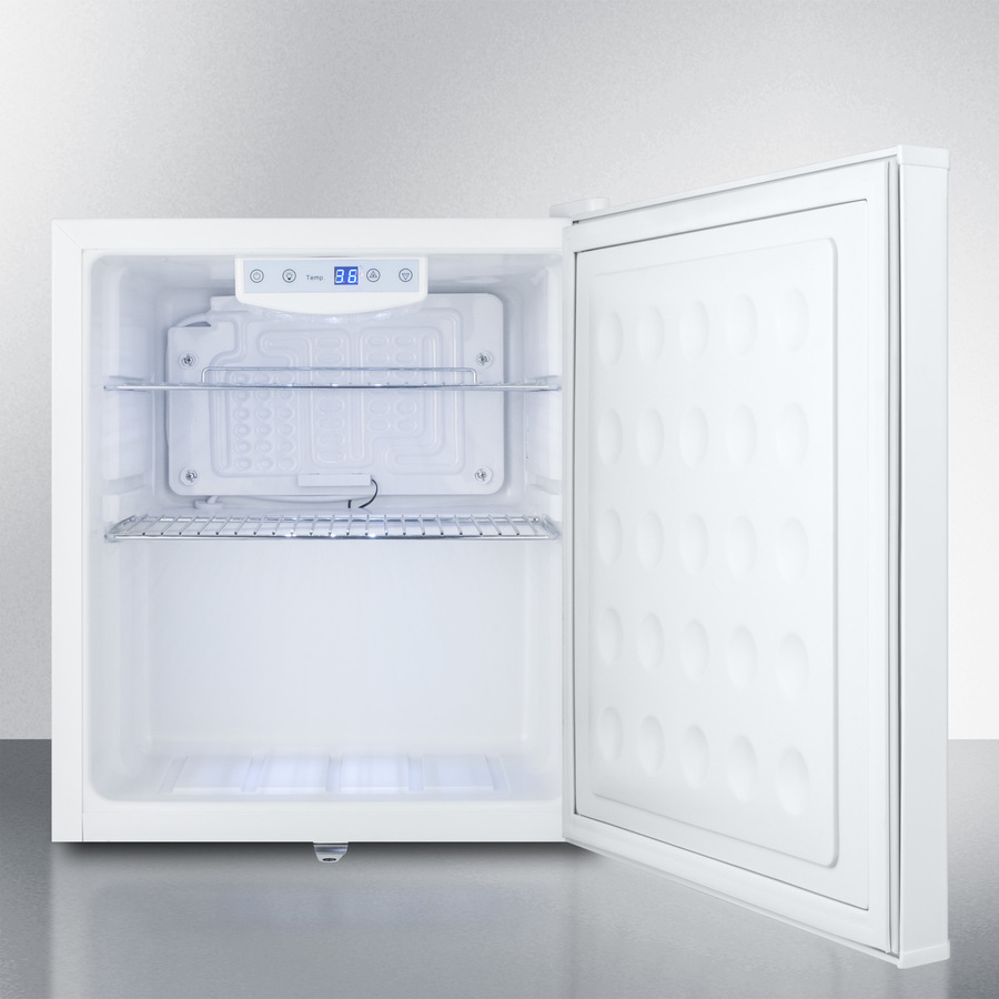 Model: FFAR25L7BI   Summit Commercial style compact built-in all-refrigerator with digital thermostat