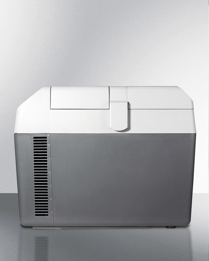 Portable 12V/24V mecdical cooler capable of operating at -18ºC or standard refrigerator temperatures