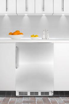 Built-in undercounter refrigerator-freezer