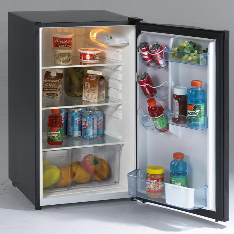 Model: AR4446B | Avanti 4.4 CF Counterhigh Refrigerator