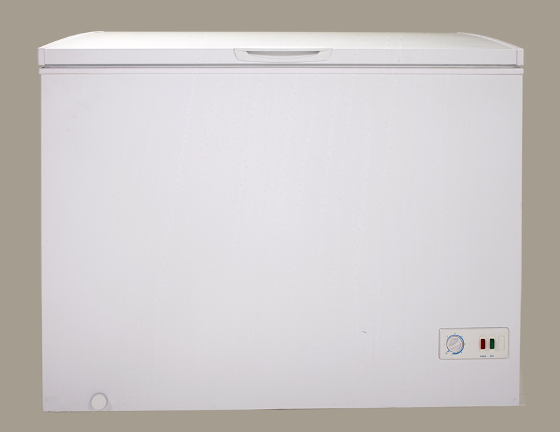 Model: CF70B0W | 7.0 Cu. Ft. Chest Freezer - White