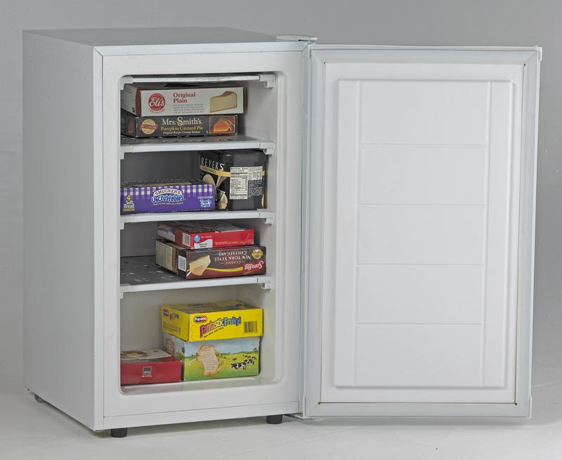 Model: VF306 | 2.8 Cu. Ft. Vertical Freezer - White