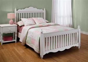 Hillsdale Furniture Lauren Full Post Bed Set