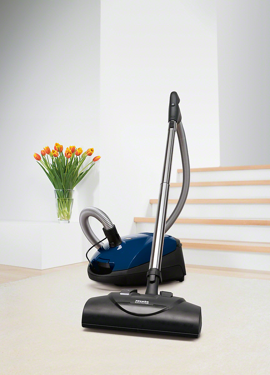 Electro Plus - floorbrushespecially wide for quick and deep cleaning of carpeting.