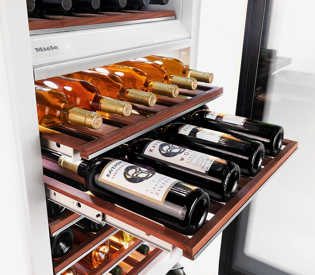 Model: KWT1603SF-Outlet   Miele MasterCool Wine Temperature Control Unit for optimum conditioning