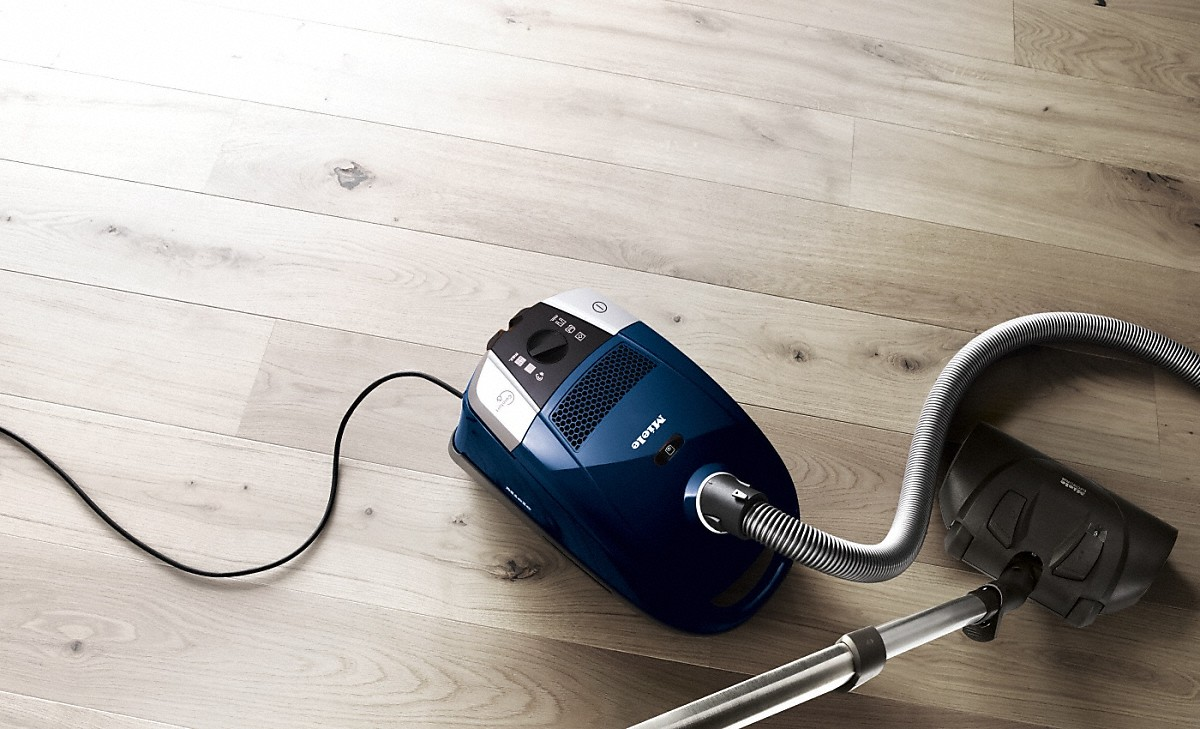 Model: SDCE0 | canister vacuum cleaners with electrobrush for thorough cleaning of heavy-duty carpeting.