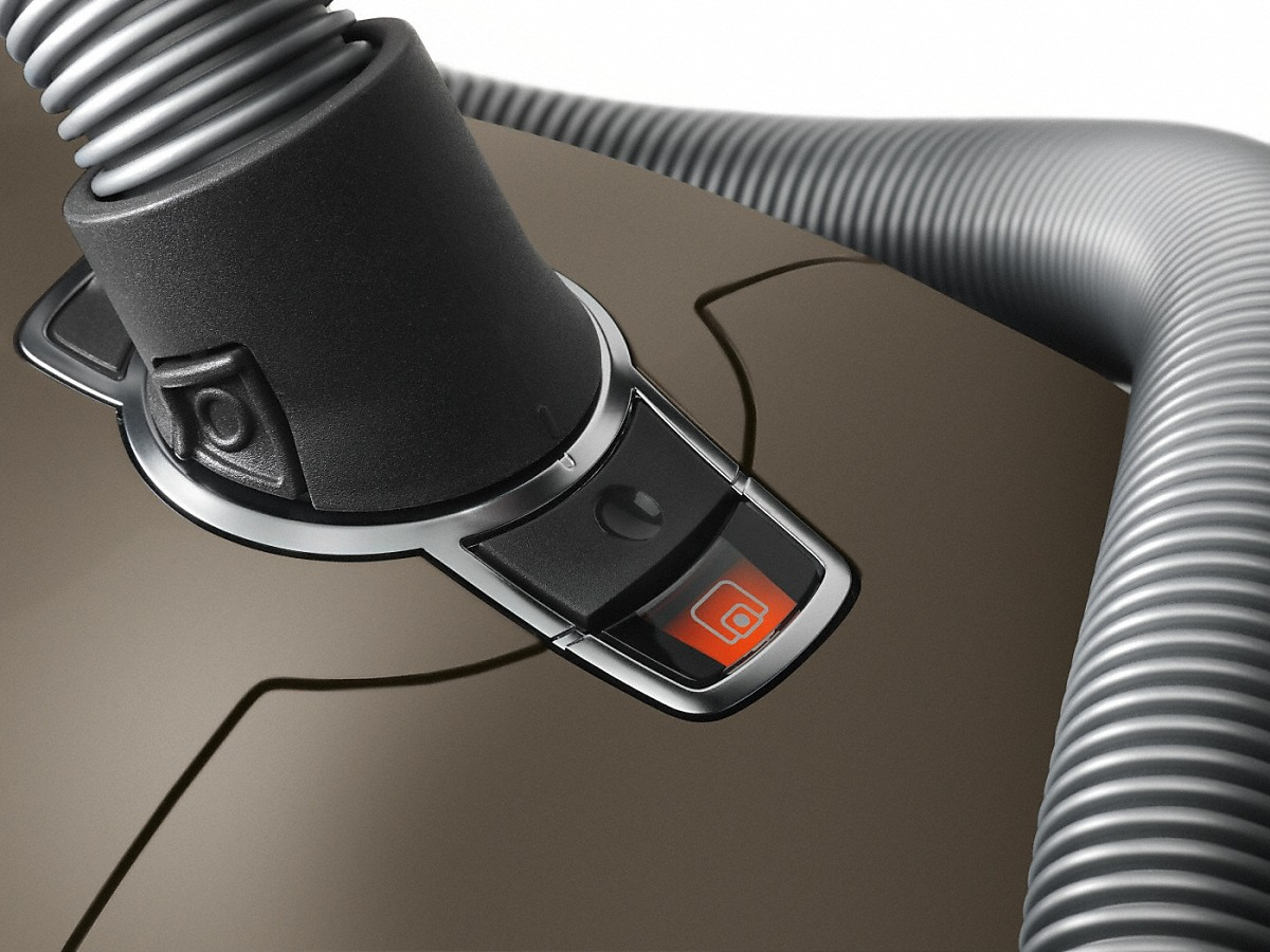 Model: Complete C3 Brilliant PowerLine - SGPE0 | canister vacuum cleaners with unique premium features for the most discerning.