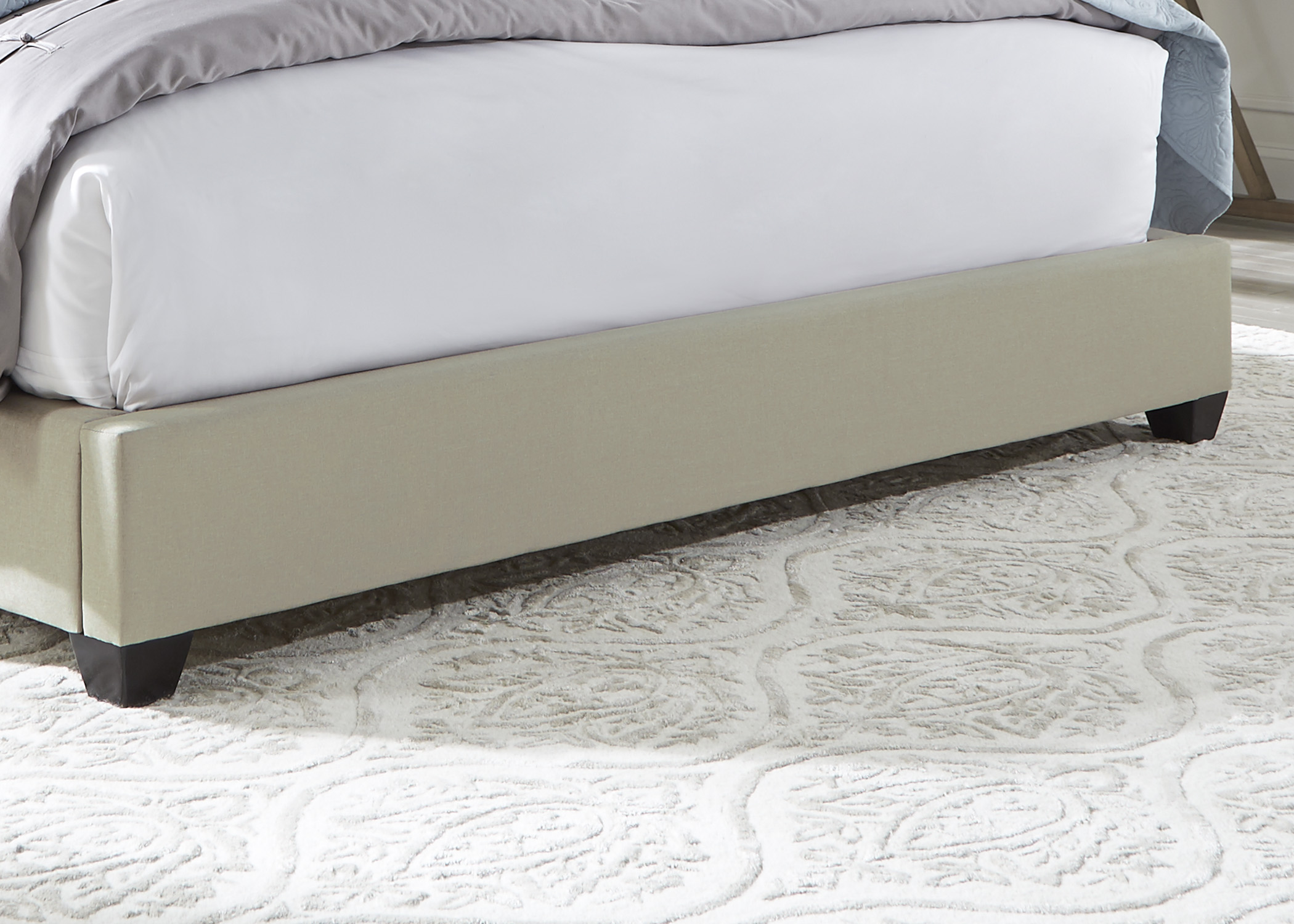 Liberty Furniture King Footboard, Rails & Slats