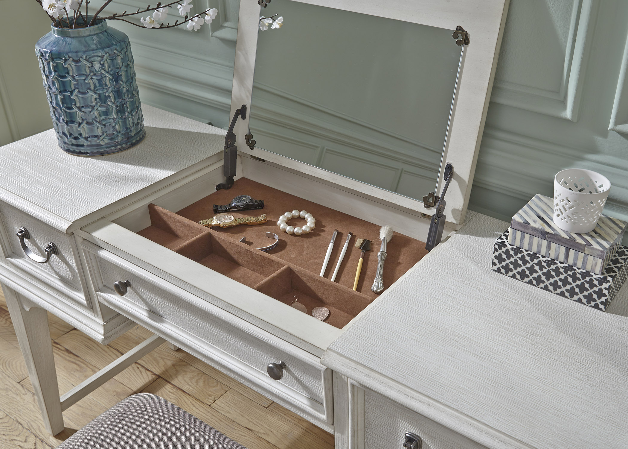 Liberty Furniture Vanity Desk
