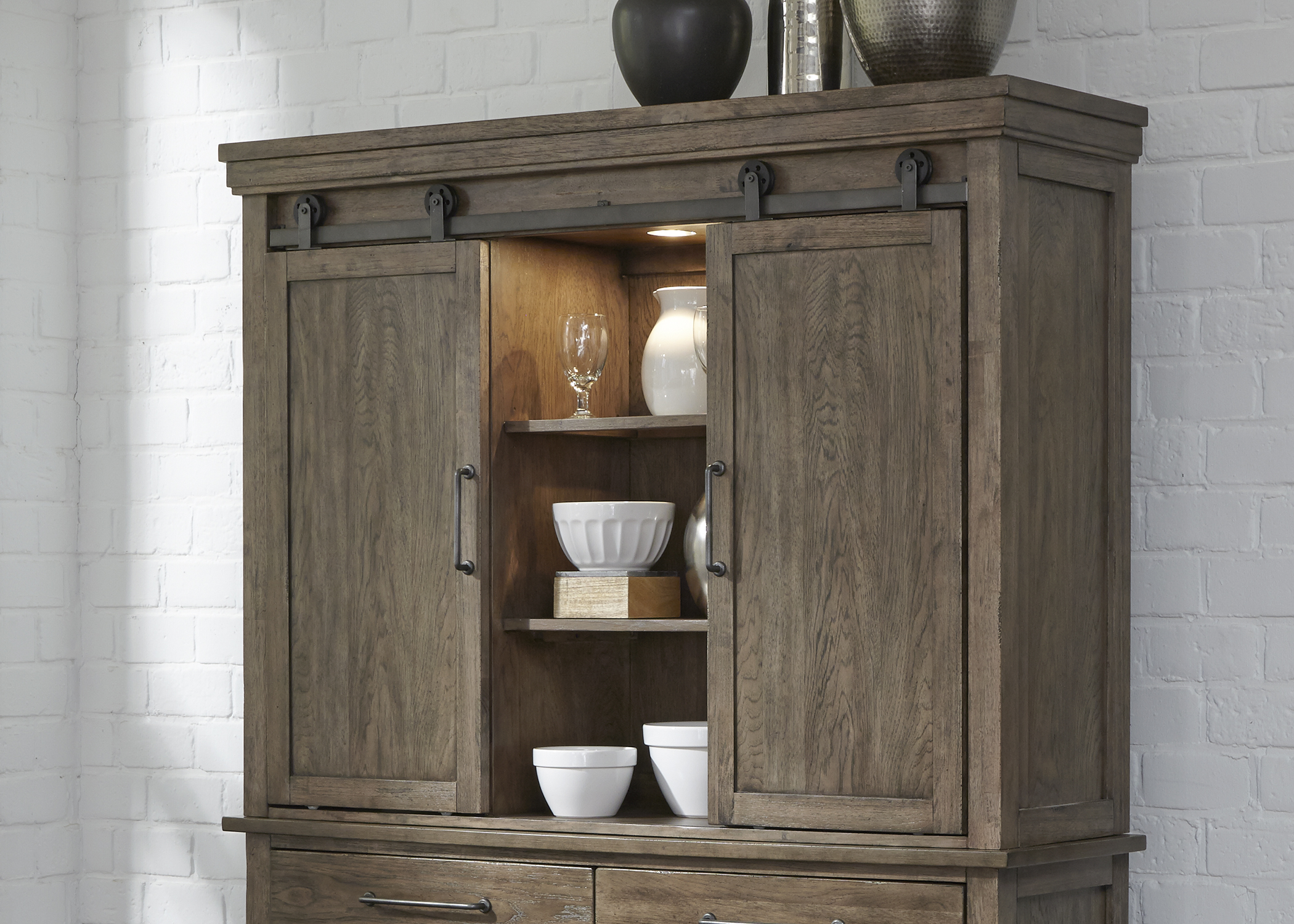 Model: 473-CH6246 | Liberty Furniture Hutch