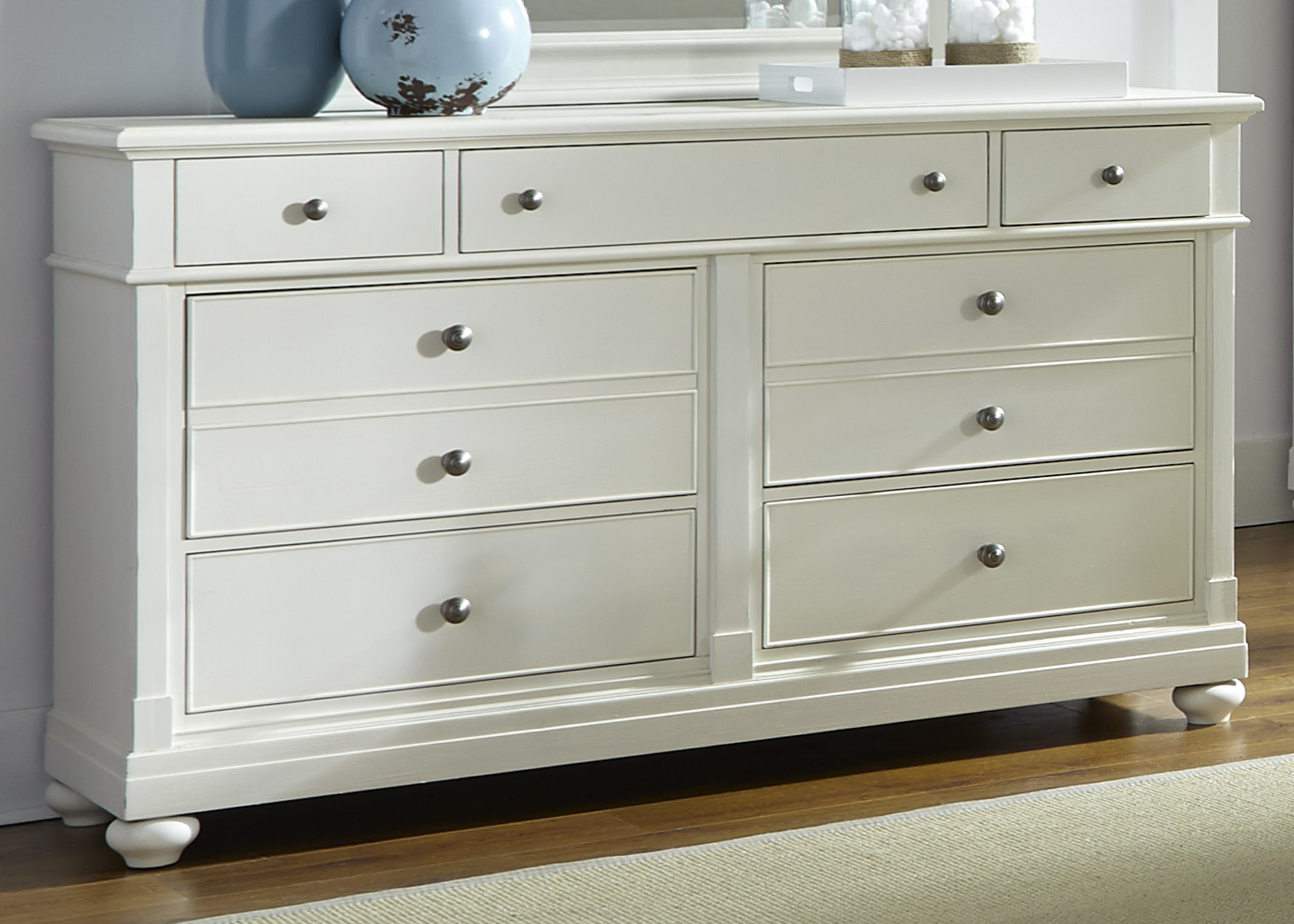 Liberty Furniture 7 Drawer Dresser