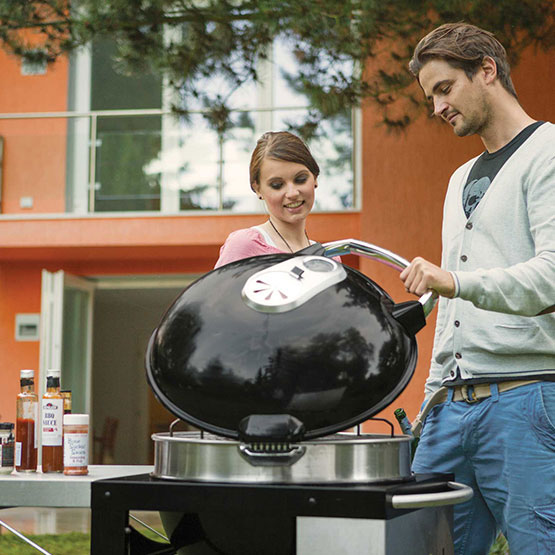 PRO RODEO CHARCOAL KETTLE GRILL WITH CART