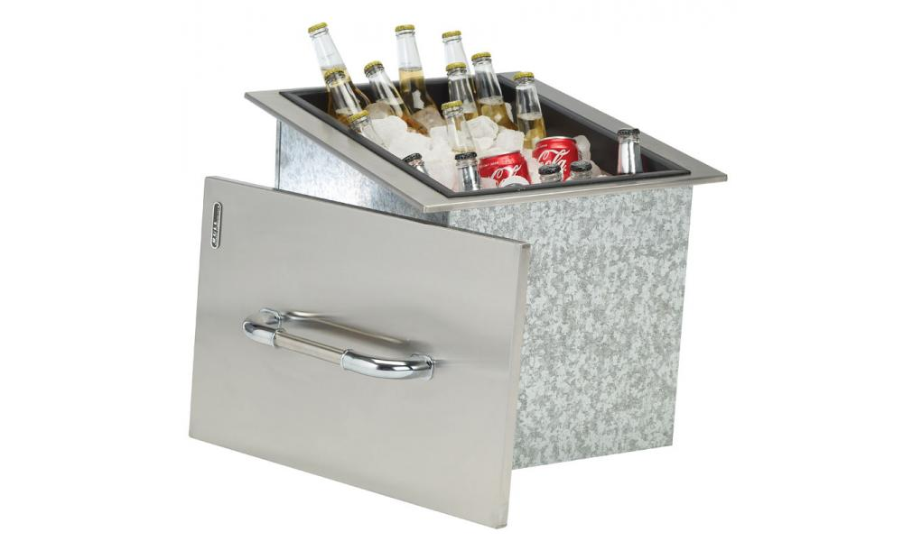 Bull BBQ Ice Chest with Beverages