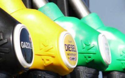 Los precios de los carburantes encadenan tres semanas de leves descensos