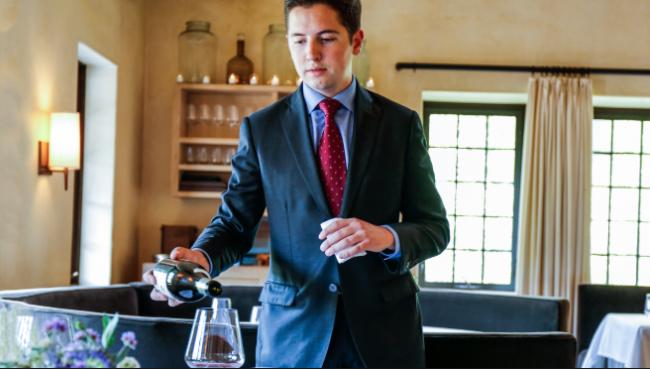 William Carroll, director de bebidas de Blue Hill recomienda unos blancos picantes, que sacian la sed, y tintos frutales, con mucho sabor.