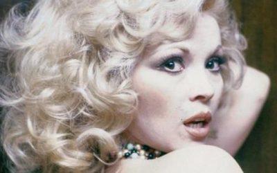 Muere Rosa Morena, la estrella del pop flamenco que calentó el Sahara y se codeó con Sinatra