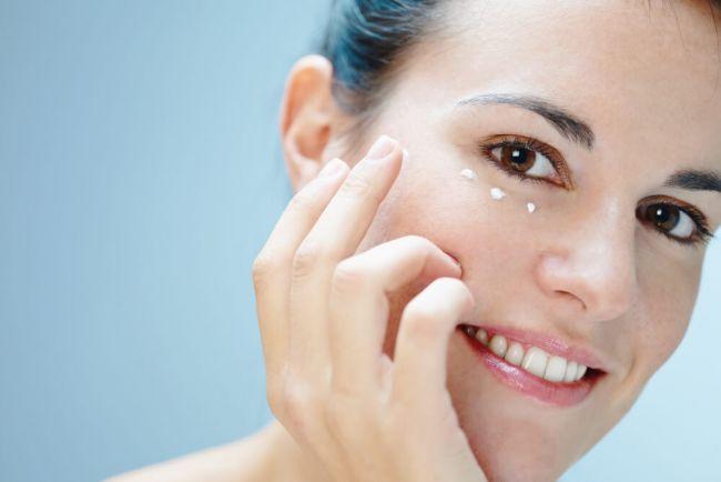 3 mascarillas para relajar los ojos y eliminar las ojeras