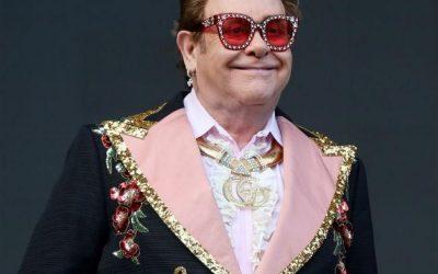 Elton John se marcha de un concierto tras perder por completo la voz