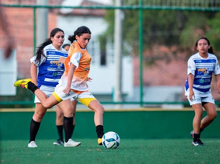 Futebol Feminino em Seis Areninhas