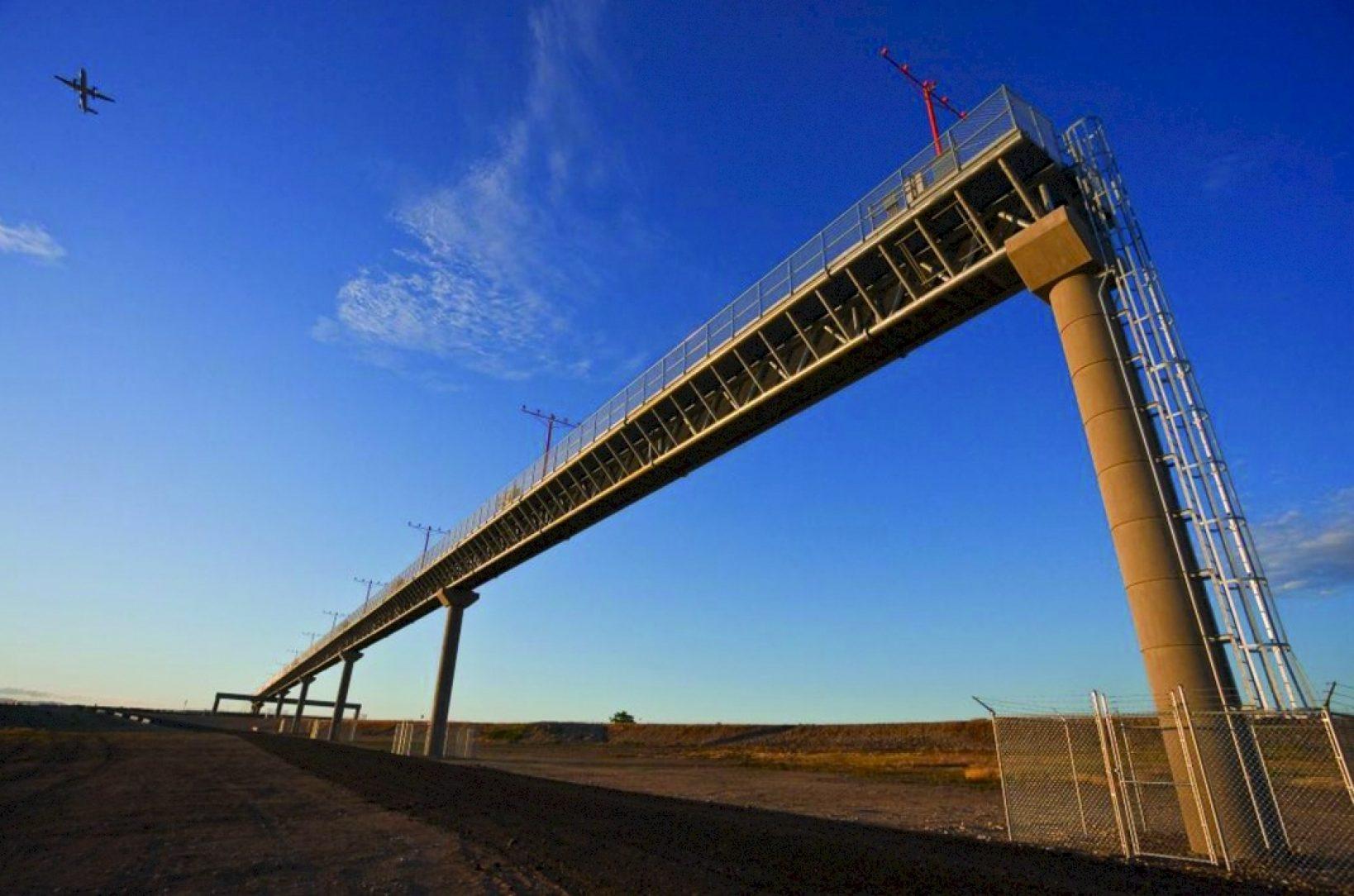Boise Airport Approach Light Bridge | American Galvanizers Association