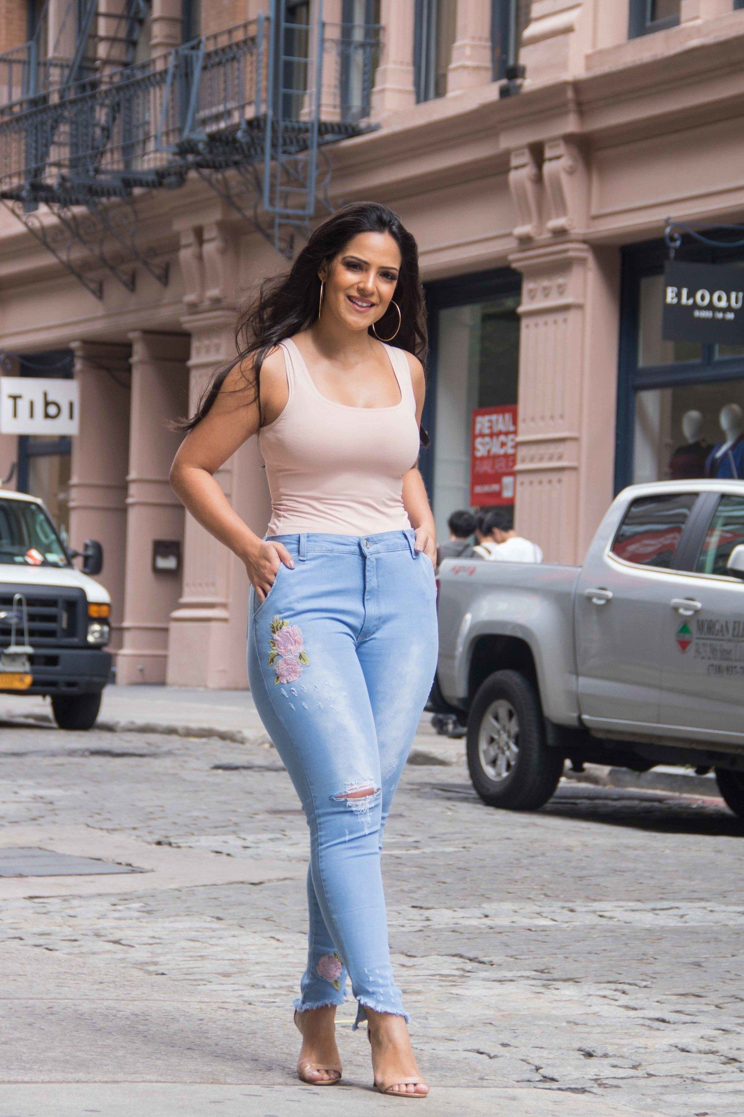 Calça Dinho's Jeans Bordada Colbie (2580)