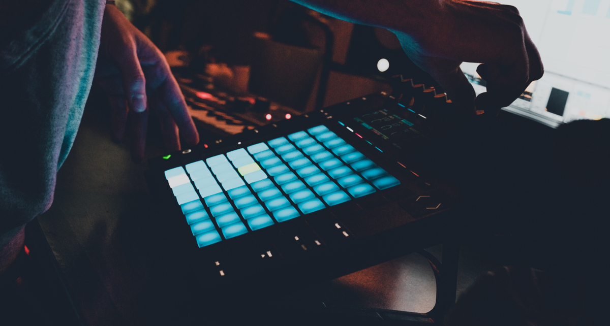 How to Make Lofi Hip-Hop Beats (Tutorial)