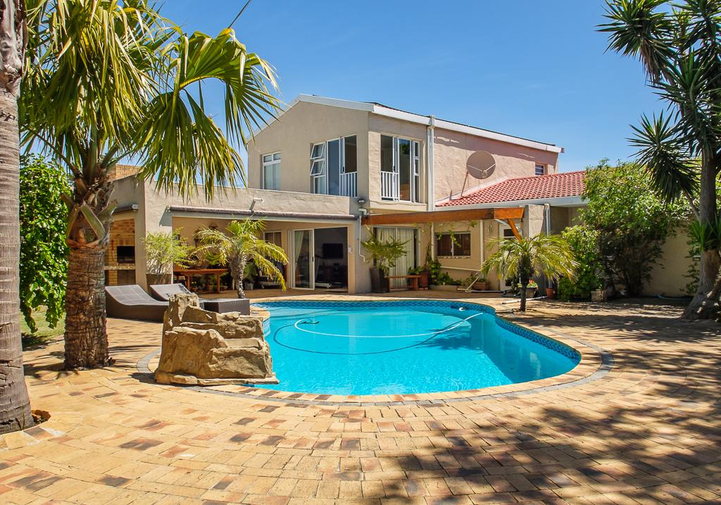4 Bedroom Freestanding in Flamingo Vlei