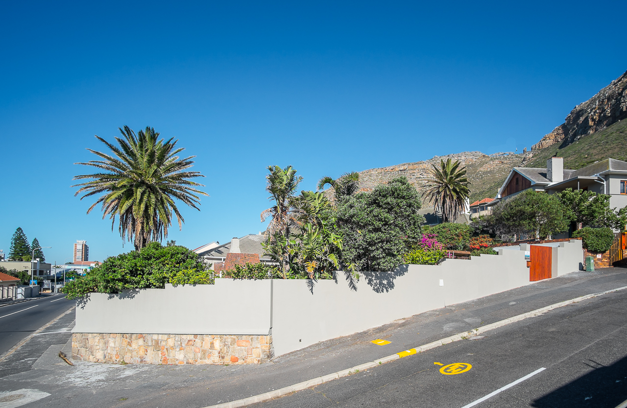 4 Bedroom Freestanding House For Sale in Muizenberg