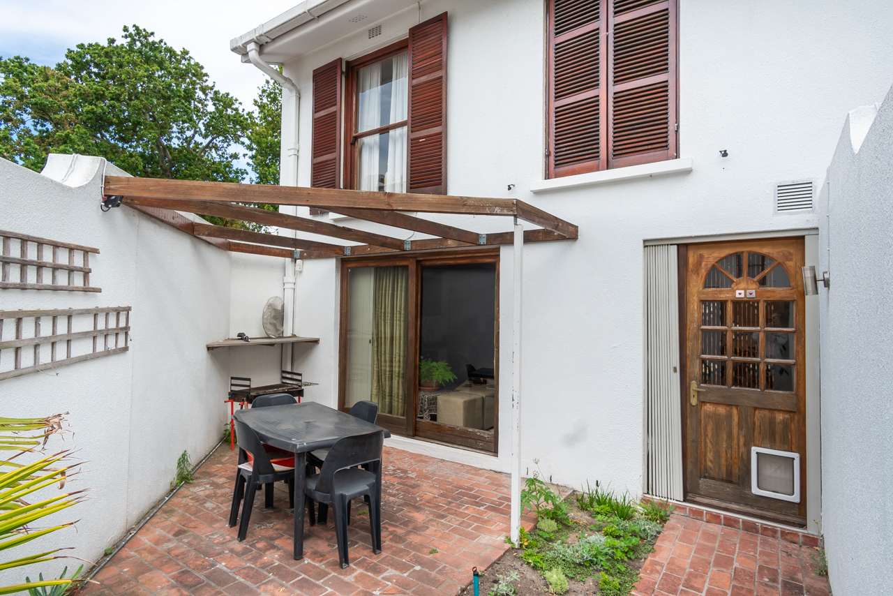 2 Bedroom Townhouse For Sale in Wynberg Upper