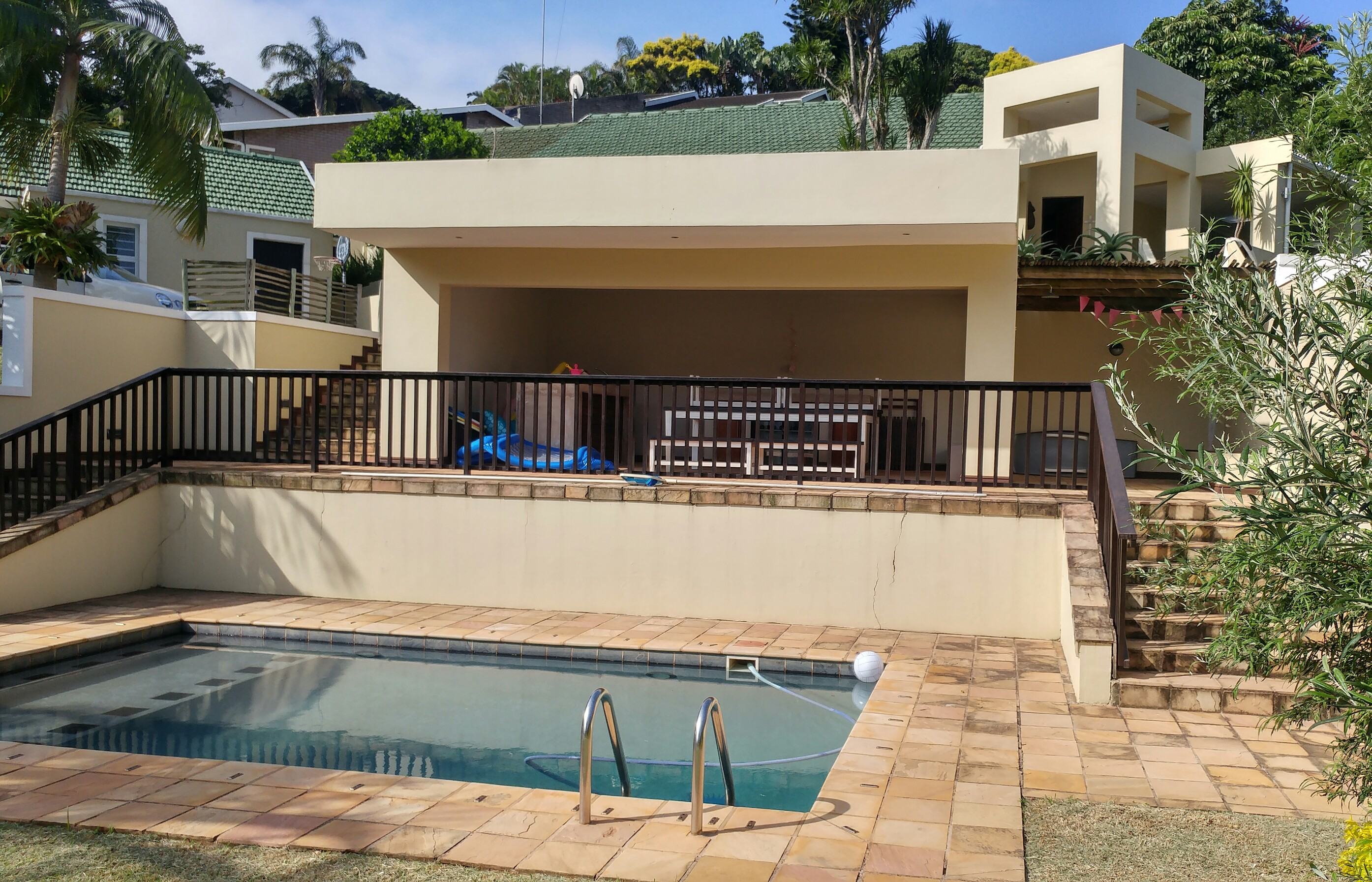 4 Bedroom Freestanding House For Sale in La Lucia