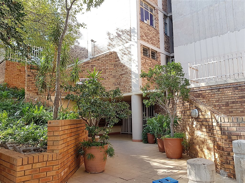 2 Bedroom Apartment For Sale in Wonderboom South