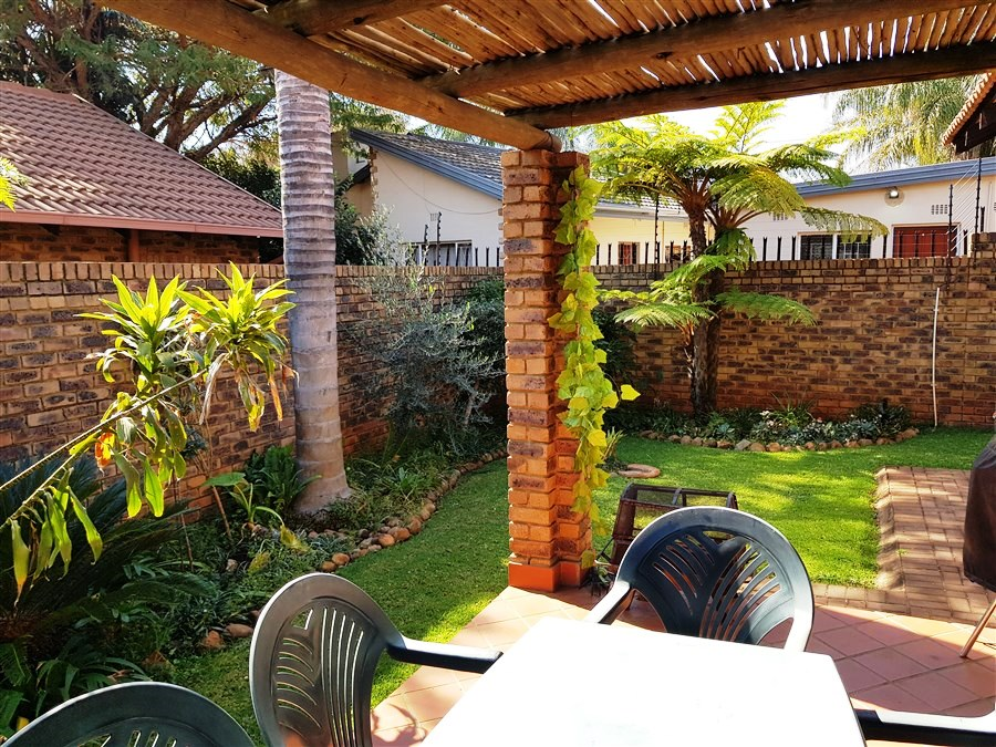 2 Bedroom Townhouse For Sale in Meyerspark