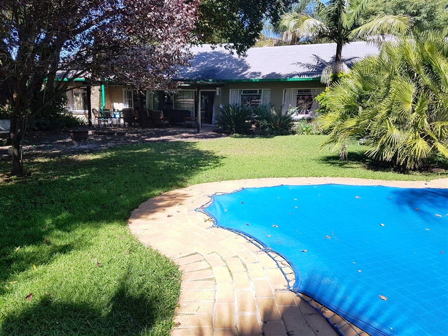 5 Bedroom House For Sale in Queenswood