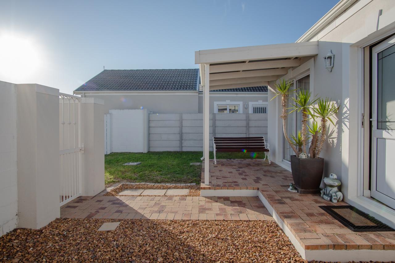 2 Bedroom House For Sale in Sunningdale
