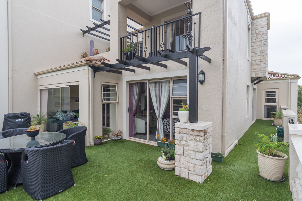 3 Bedroom Townhouse For Sale in Century City
